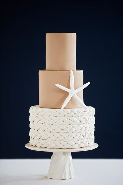 6 Beautiful Beach Wedding Cakes Decorated with Shells & Sea Life