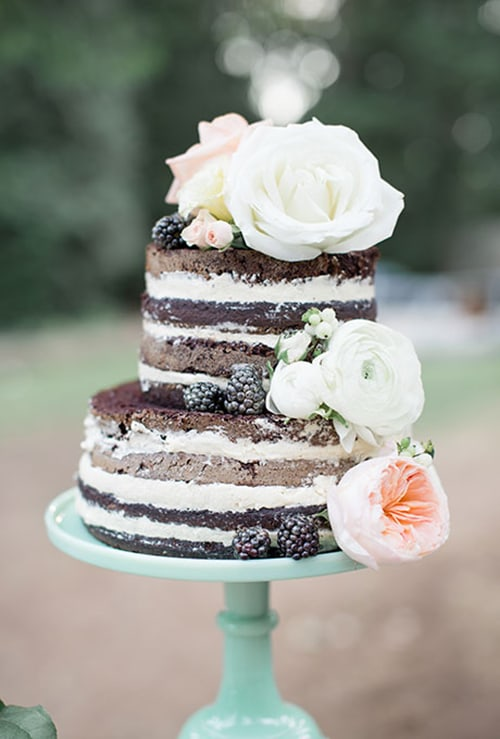 The Do's (and Serious Don'ts) of Freezing Your Wedding Cake