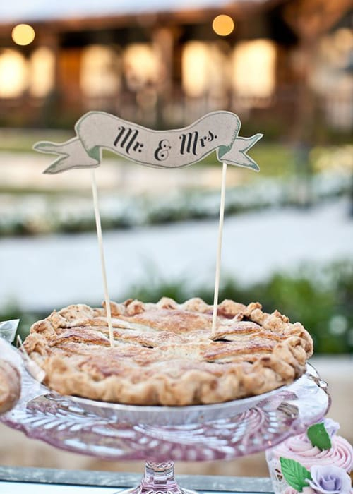 BRIDES Dallas: 4 Wedding Cake Alternatives That Will DEFINITELY Impress Your Guests