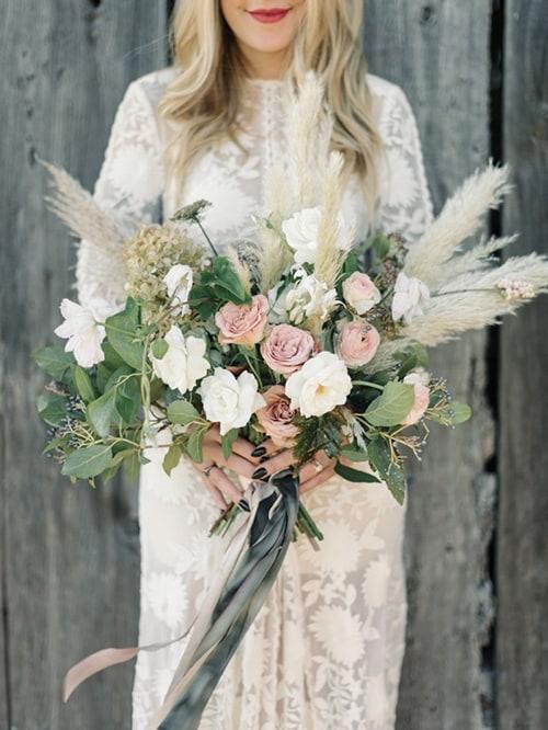 Wedding Flower Trend We Love: Pampas Grass